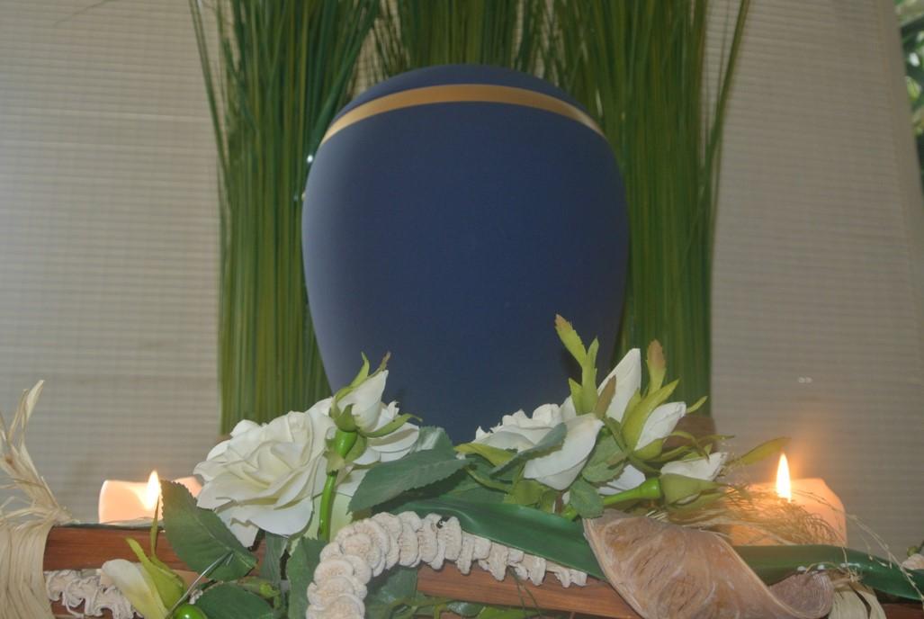Urne 39 - Blau mit Goldband
