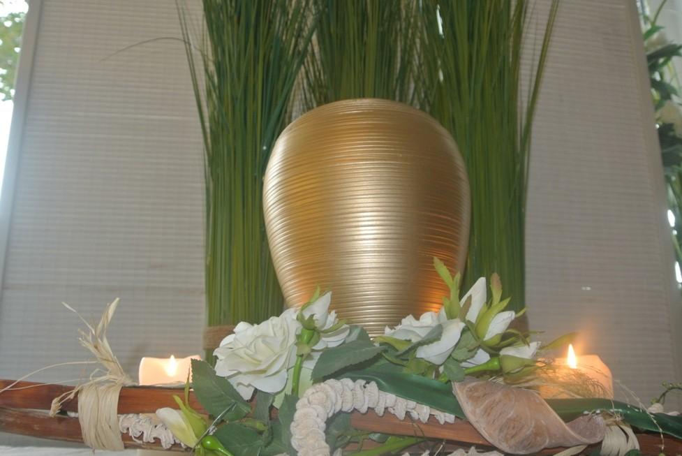 Urne 41- Gold handgemacht