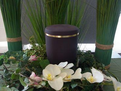 Schmuckurne lila, schwarz, grün mit Goldband